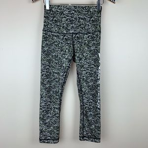 Lululemon x SoulCycle Wunder Under Crop 6 K3349